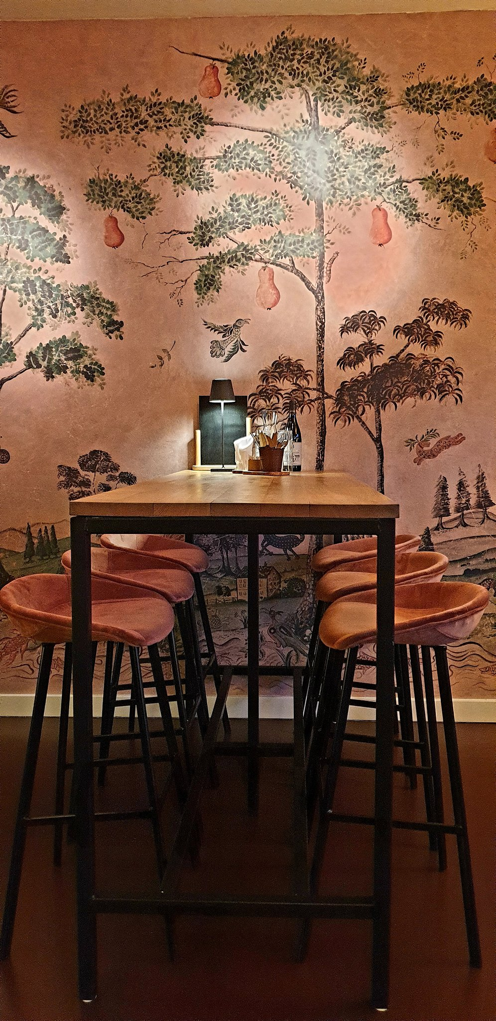 wijnbar tafel